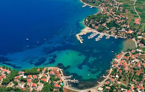 Lumbarda port-Korčula